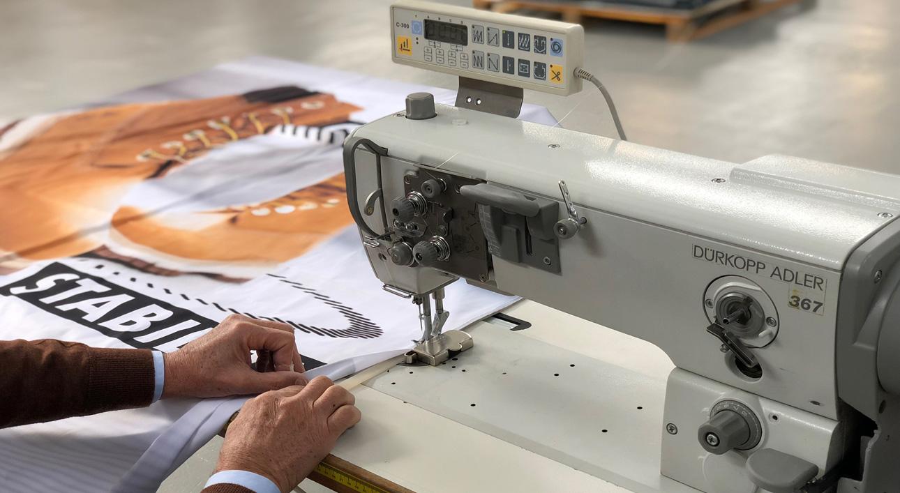 Cuciture perfette su tessuti stampati